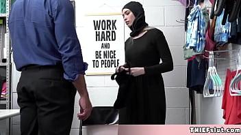 Arabic milf Nadia fucked in homemade amateur