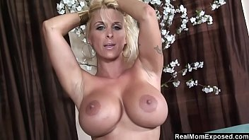 Big boobs Morena de colegiala hottie cam show