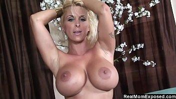 Big boobs Morena de colegiala hottie cam show