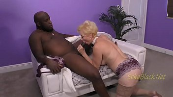 Housewife Fucked By A Muscular Moroccan Guy