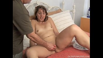 Pawg milf wets bed at orgy eaten fisted squirts
