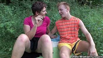 PublicAgent Sexy brunette spreads her legs for outdoor fucking