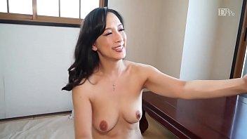 Subtitled Japanese gokkun swallowing party with Chigusa Hara