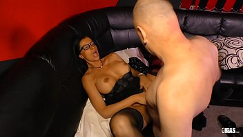 Upper class brit lady in stockings hiring cheap whore